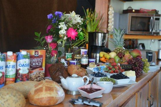 Auberge Algonquin: Buffet Breakfast