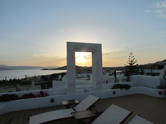 Naxos Island Hotel : Roof top bar/pool at sunset looking toward Paros
