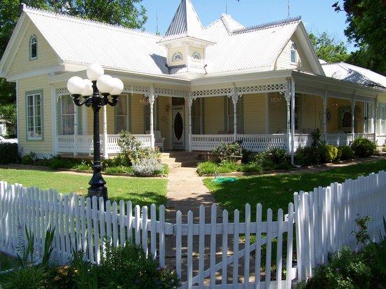 Victorian Mansion Bed & Breakfast : Victorian Mansion