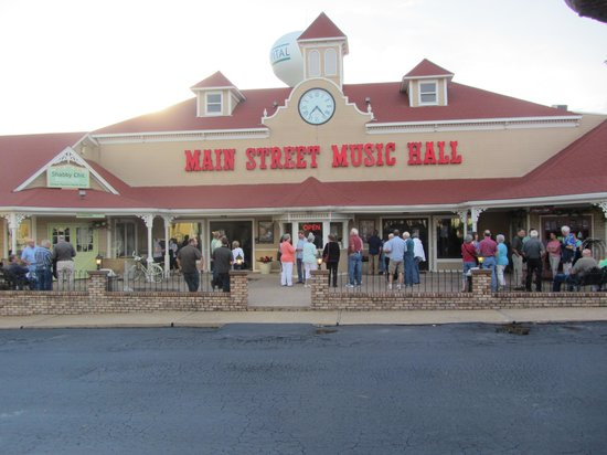 Main Street Music Hall / Main Street Opry: Before the show