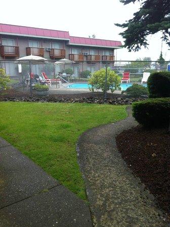 Rodeway Inn: Pool View