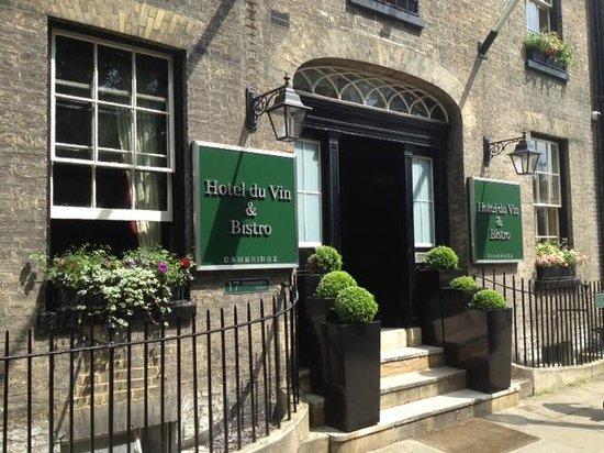 Hotel du Vin Cambridge: Entry
