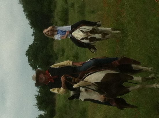 The Hideaway Ranch & Retreat : Ride a horse!