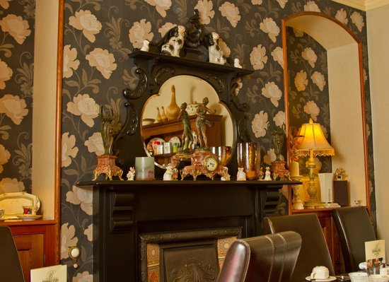 Brooklands Guest House : Dining Fire