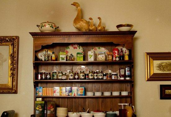Brooklands Guest House : Breakfast Dresser