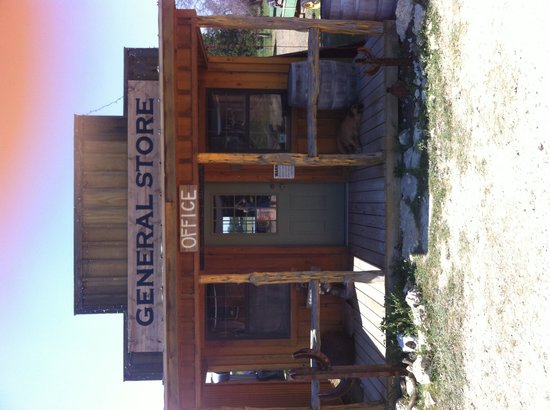 The Hideaway Ranch & Retreat : Checkin office