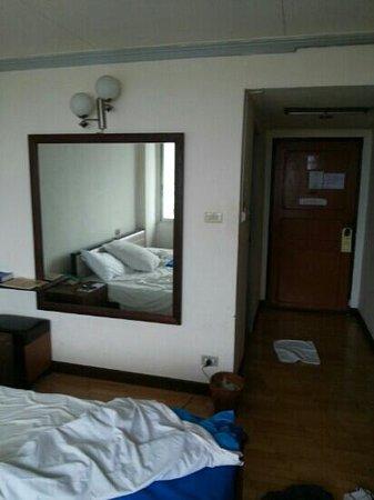 TipChang Hotel: จะเก่าไปใหน..พลาดไประเรา..
