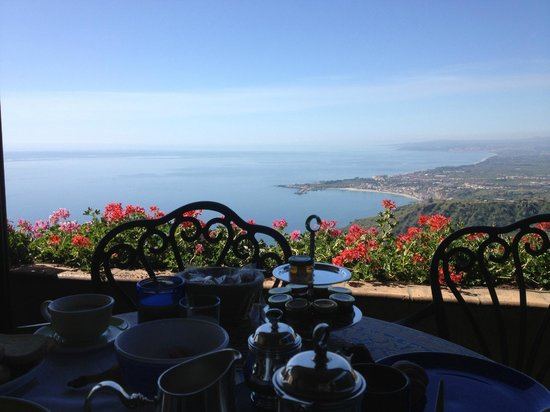 Hotel Villa Ducale: Breakfast Room View