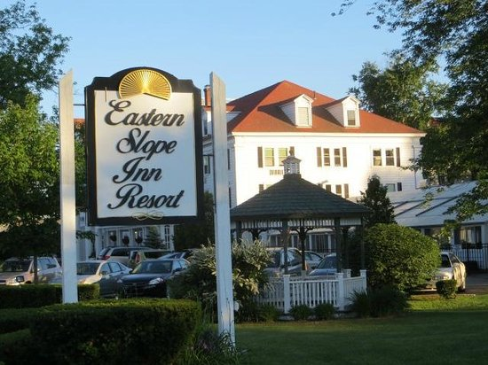 Eastern Slope Inn: front view