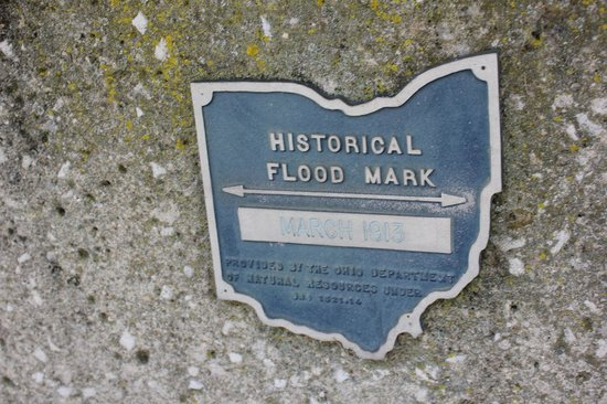 The Santa Maria Columbus: The Historical flood marker just outside the Santa Maria!
