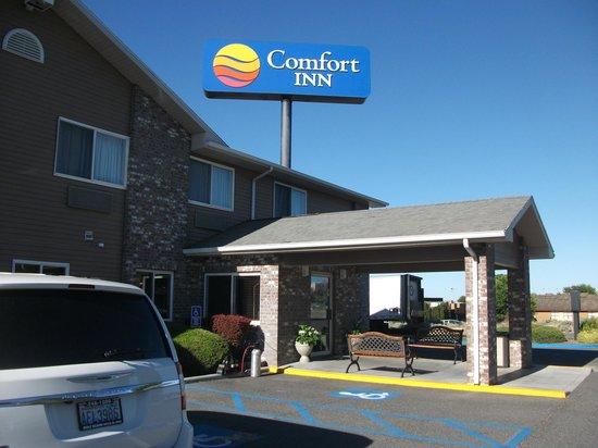 Comfort Inn: Front door