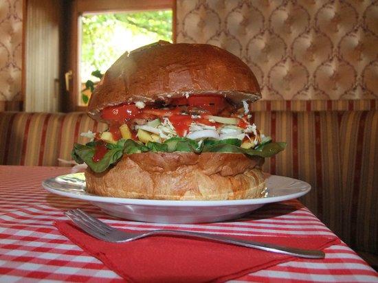 Keszthely, Hungary: XXXXL Burger