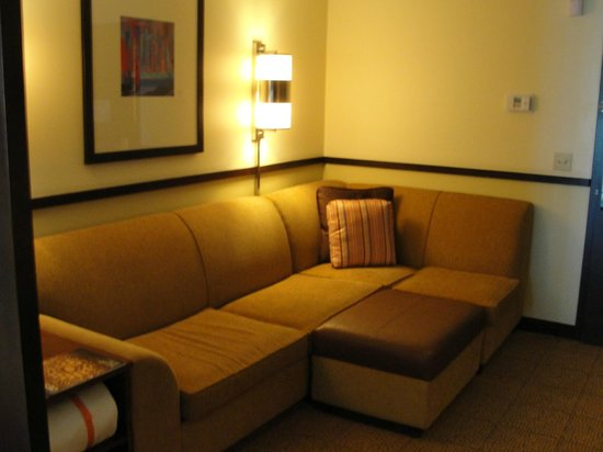Hyatt Place Salt Lake City Airport : Suite living area