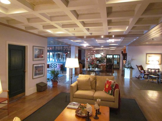 Nantucket Inn: main lobby