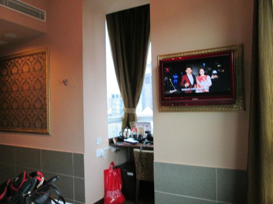 Best Western Hotel Causeway Bay : poor TV