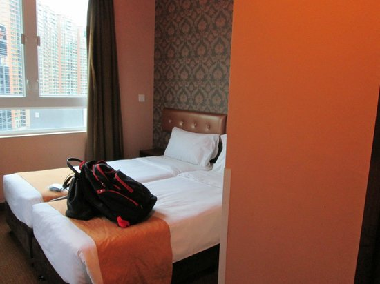 Best Western Hotel Causeway Bay: my two beds