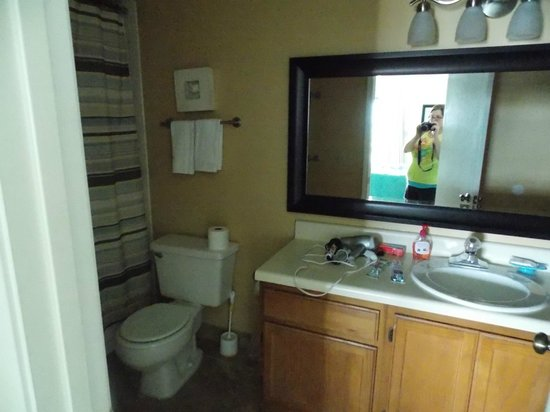 Sea Oats: Master bathroom