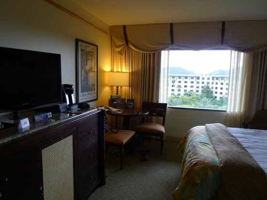 Loews Royal Pacific Resort at Universal Orlando: garden view room