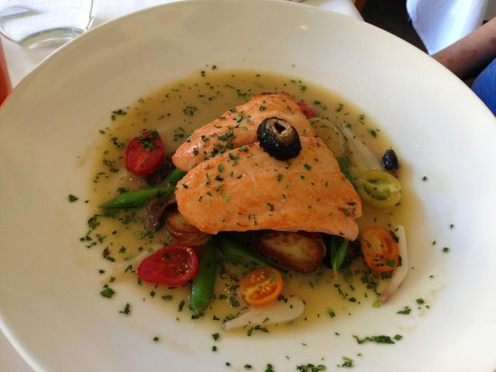 La Tour Restaurant: Grilled Skula Bay Salmon