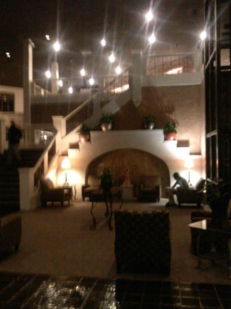 Rodeway Inn North Conference Center: MAIN LOBBY