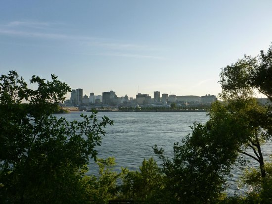 Casino de Montreal: View of Old Montreal from Jean Drapeau park