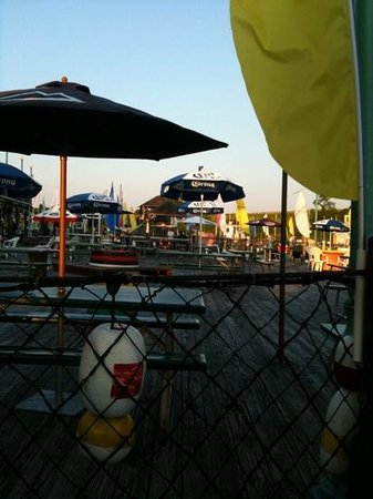 Restaurant At Captain's Cove: loving the captains outdoors