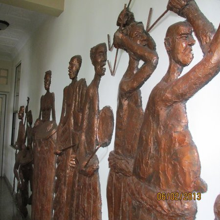 Charleston Hotel Ghana: Wall sculptures