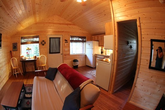 Reclusive Moose Cabins: Living Room