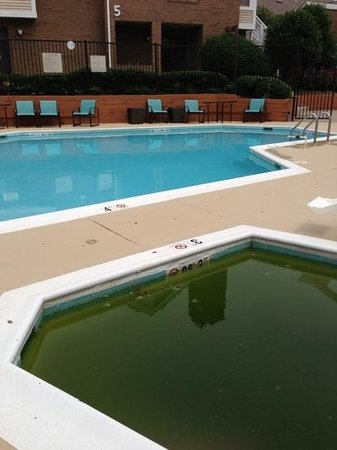 Residence Inn Tysons Corner: multicolor pool no sign jacuzzi is out of order