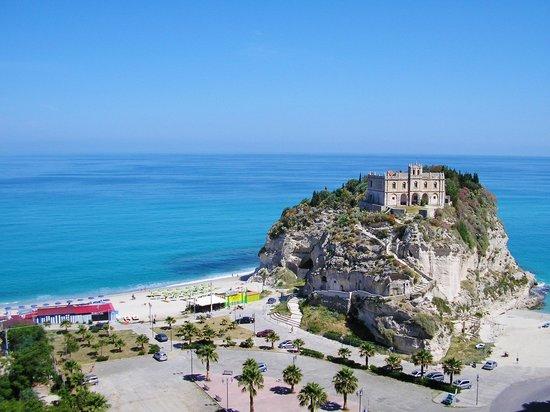 Strand von Tropea: TROPEA LA BELLA