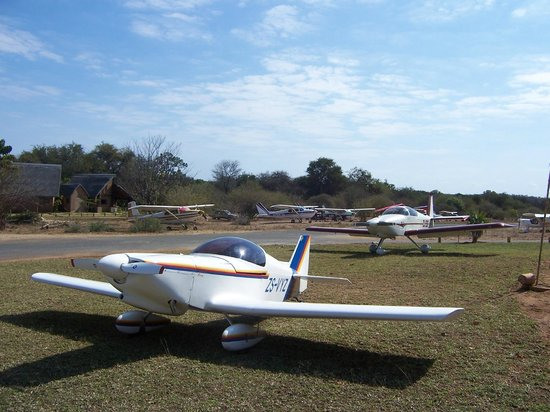 Hippo Pools Resort: Airstrip