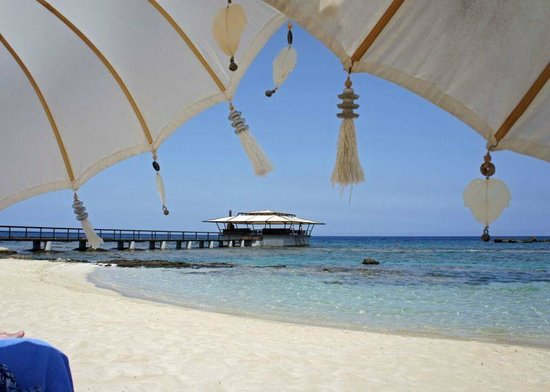 Arkin Palm Beach Hotel: Our view on the beach. Wonderful