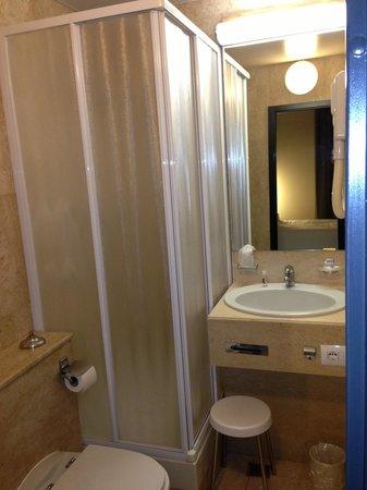 Hotel Aosta - Gruppo MiniHotel: Il bagno