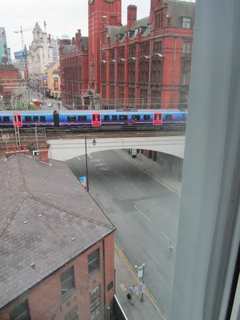 Holiday Inn Express Manchester CC-Oxford Road: vue depuis notre chambre 511