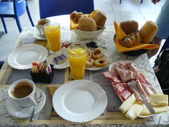 B&B Re Perone: Breakfast