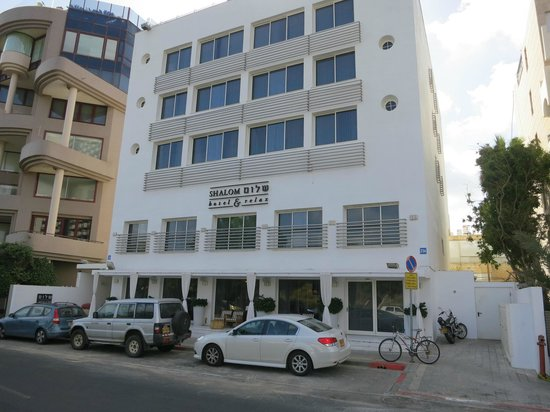 Shalom Hotel & Relax Tel Aviv - an Atlas Boutique Hotel: View from road