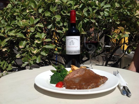 Timezone 8 Bar & Restaurant: Australian Steaks and Imported Wines
