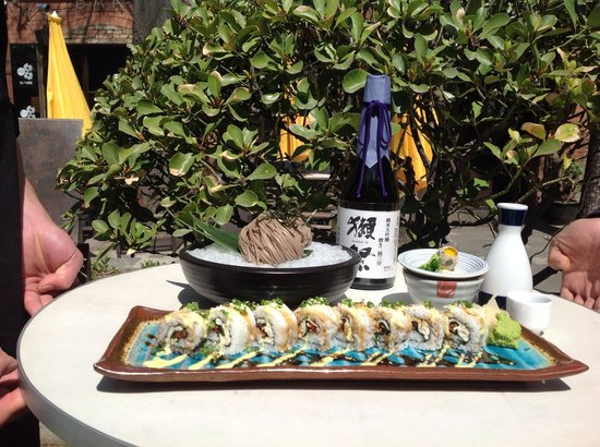 Timezone 8 Bar & Restaurant: Sushi Bar Is Another Highlight
