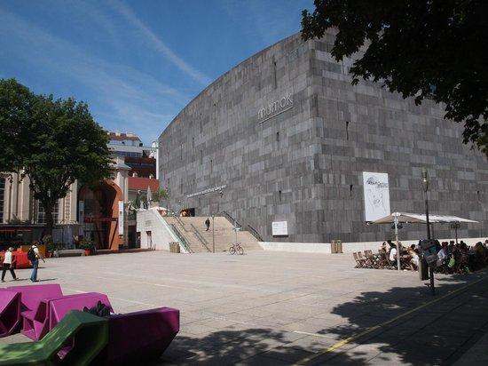 Museum of Modern Art Ludwig Foundation (MUMOK) : Museumsquartier with MUMOK