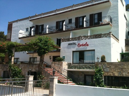 Hostal Oriola: The Oriola from the road