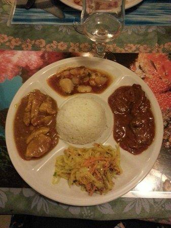 Restaurant L'Ile Maurice : massala de poulet+rougaille de boeuf