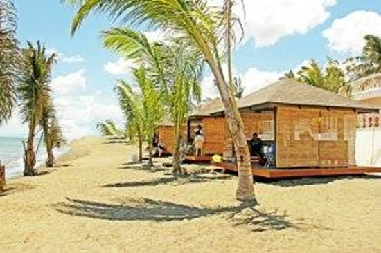 Bearland Paradise Resort: beach cottages