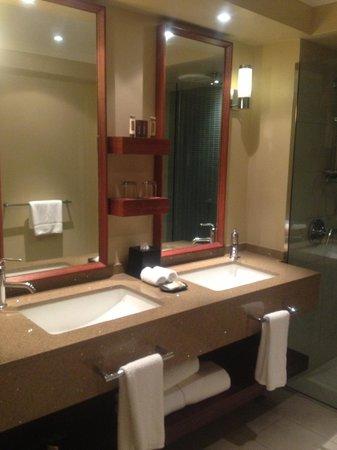 Sheraton Fiji Resort: Bathroom