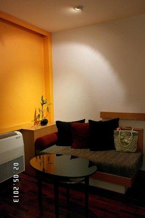 iCheck inn Sukhumvit 19 : cozy ambience