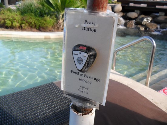 Sheraton Fiji Resort: Push button pool service