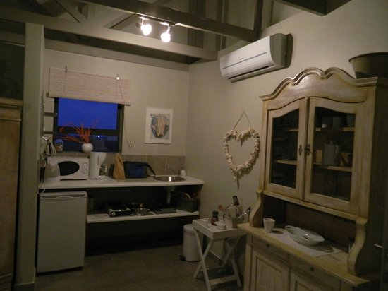 The Ocean Bay: The kitchenette in our apartment