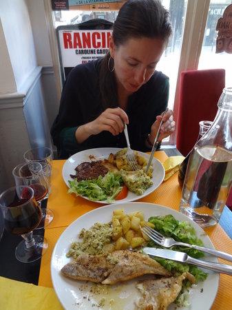 Oustaou Cafe: Цена блюд 10-13 евро