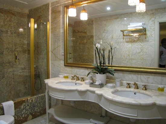 Celal Sultan Hotel: bagno