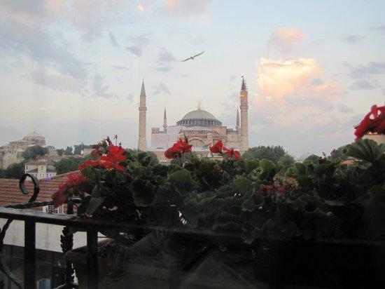 Celal Sultan Hotel: panorama dal ristorante