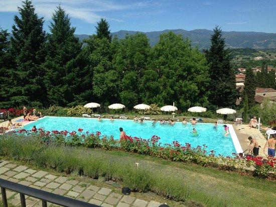 Piscina esterna foto di hotel villa casagrande figline e incisa valdarno tripadvisor - Piscina figline valdarno ...